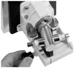 Pompa a pistone obliquo- testa con attacco risciacquo - 0,29 fino 1300 ml/min