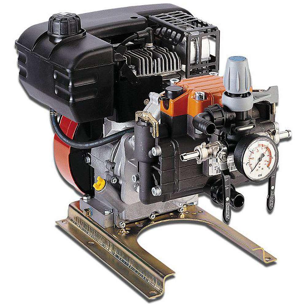 """Membranpumpar """"MC 30"""" - 4-taktsmotor - 29,2 l/min - 30 bar"""